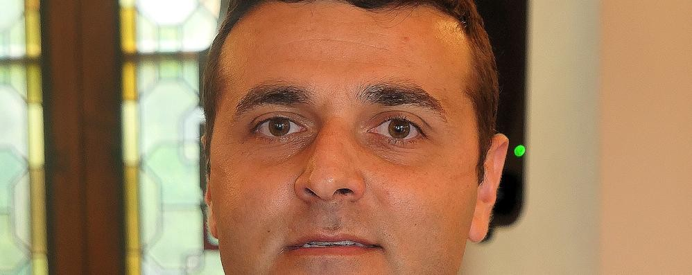 Lambrugo, battutaccia in Consiglio  L'ex sindaco Costanzo sotto accusa