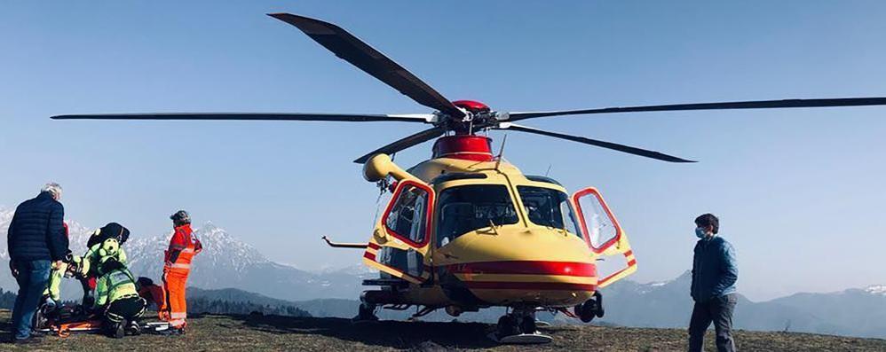 Tremezzina, malore in montagna  Uomo soccorso con l'elicottero