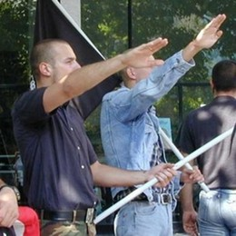 Razzismo, odio e fascismo  Due comaschi sotto inchiesta