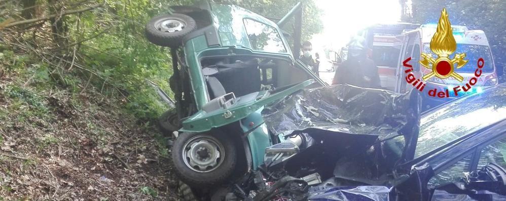 Scontro tra due auto, muore a 57 anni  Era un volontario della Cri di Uggiate