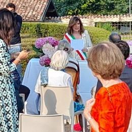 Anzano, matrimonio in piazza  Celebra la presidente del Senato
