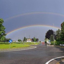 Un doppio arcobaleno  fotografato a Turate