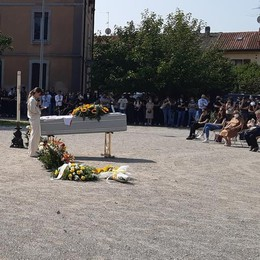 L'addio di Lurago Marinone a Raffaele «Trasformeremo in realtài tuoi sogni»