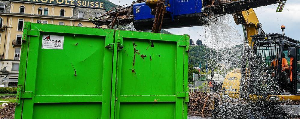Como: ancora detriti  Il lungolago resta chiuso