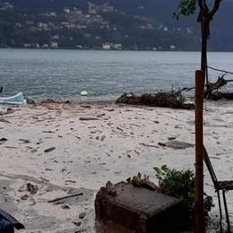 Frana a Laglio, spazzata via la riva  A Lezzeno tre smottamenti  Cernobbio: auto portata via dall'acqua (VIDEO)    GUARDA IL VIDEO