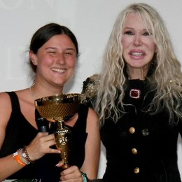 Cantalanzo, vince Sara-Giorgia  Ivana Spagna regala emozioni