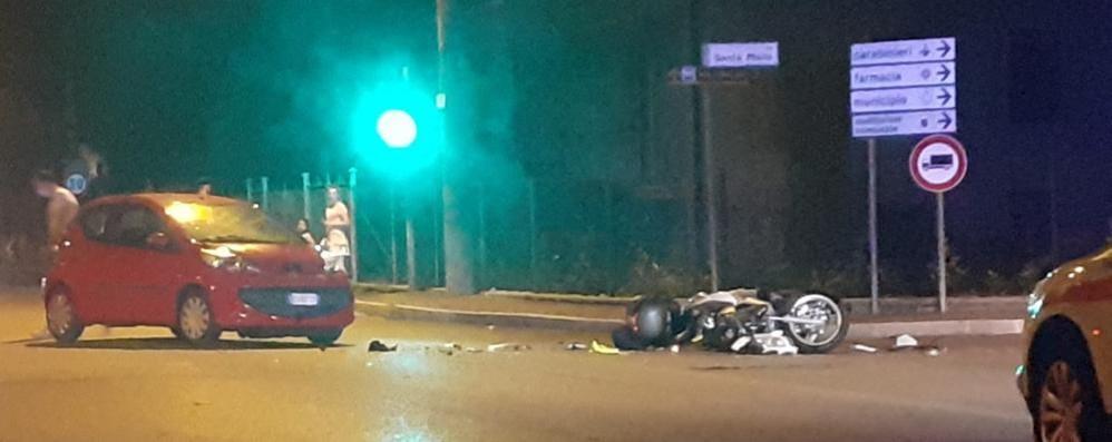 Mozzate, scontro auto moto  Due persone in ospedale