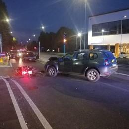 Arosio, scooter contro auto Paura per tre persone