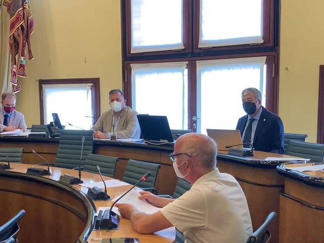 CRV - Prima commissione: Contributi ai comuni per spese funzionamento uffici Giudice di Pace