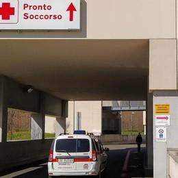 Dodici ore di attesa al Pronto soccorso  Caos e proteste. «Troppi pazienti»