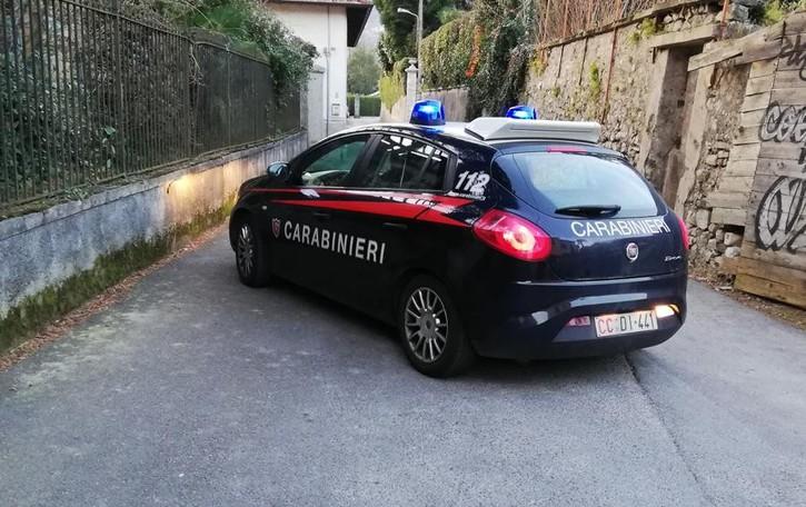 Gravedona, sorprendono il ladro  Novantenni rapinati con il coltello