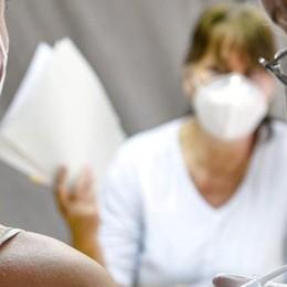Terza dose, si parte con ottomila sanitari    Per gli anziani abbinata all'antinfluenzale