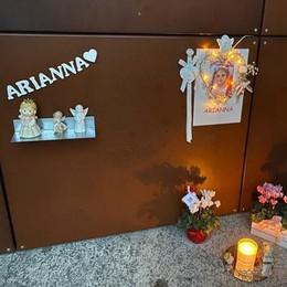 «Via angioletti, fiori e lumini»  Montesolaro: polemica   sulla tomba di Arianna