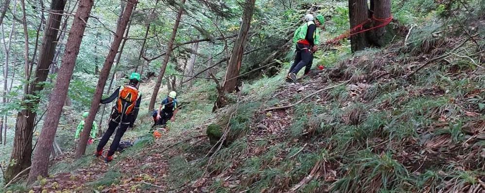 Cercava funghi a Pagnona  Erbese ritrovato senza vita