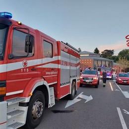 Braccio incastrato nel macchinario  Operaia ferita a Cassina Rizzardi