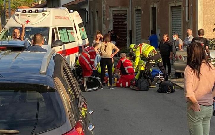 Tavernerio, litiga per il cane  Pensionato colpito e cade:  in coma
