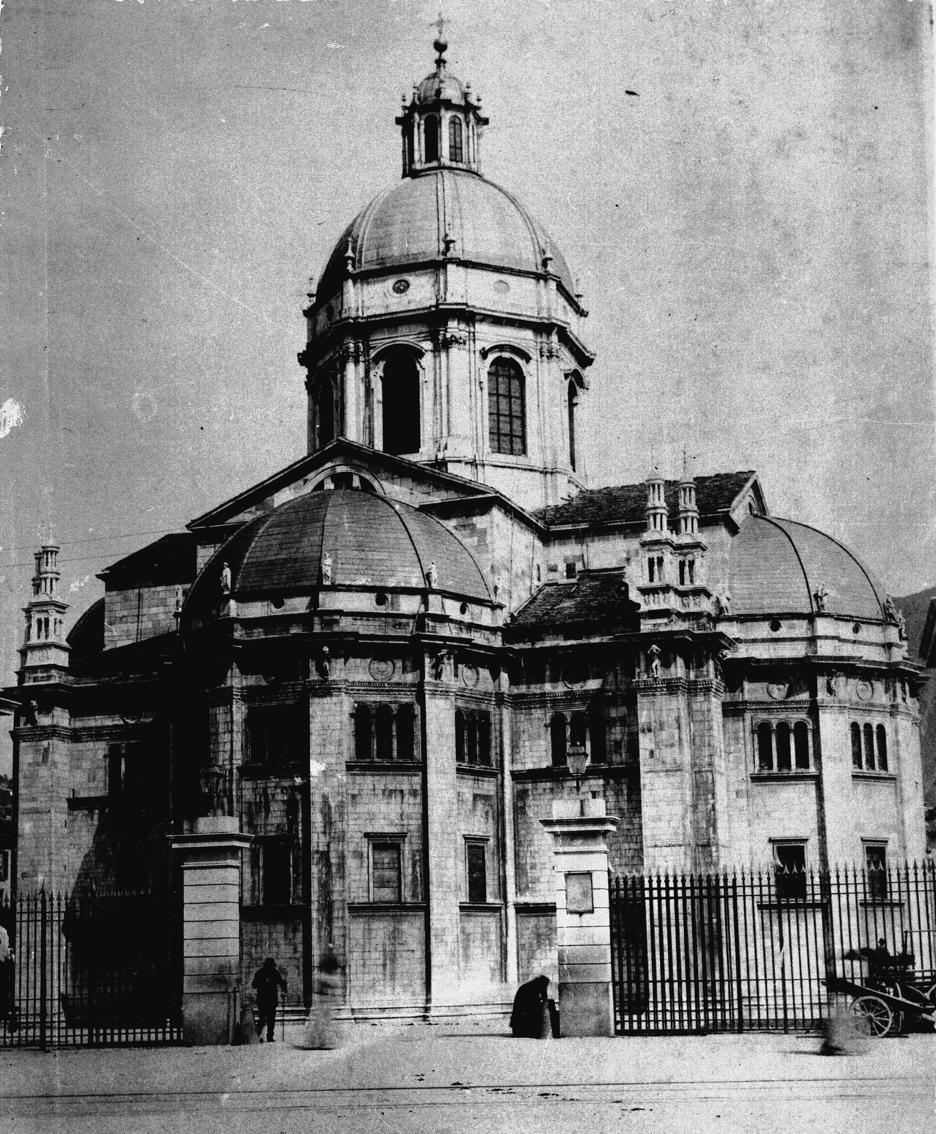 1888 il cancello del dazio in piazza Verdi