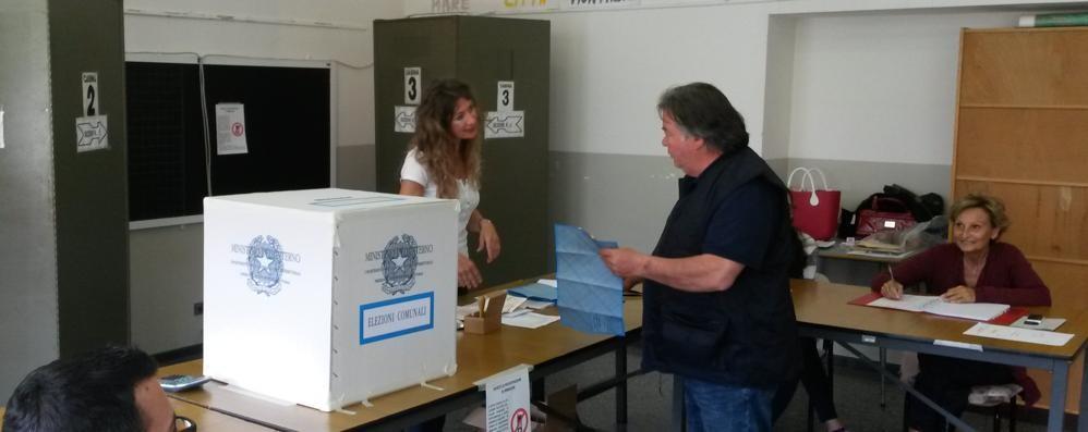 Elezioni per 50 mila comaschi  In corsa 45 candidati sindaco