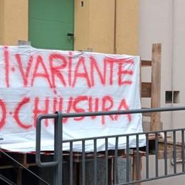 Variante Tremezzina,   la protesta degli striscioni